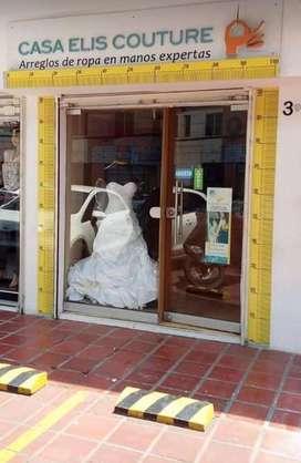 Encargad@ de tienda de arreglos de ropa