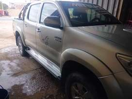 Vendo camioneta hilux 2013