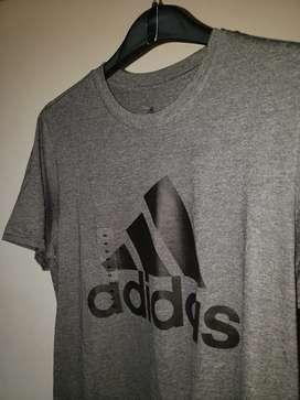 Camiseta adidas gris M
