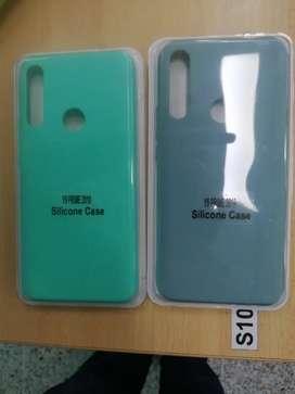 GangazoSe venden estuches siliconados para y9