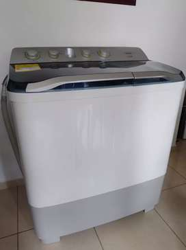 Lavadora semiautomática marca Haceb