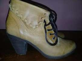 Vendo botas de dama