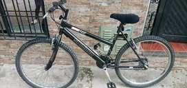 Bicicleta todo terreno rin 26 negra shimano
