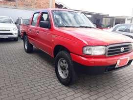 Se vende mazda B2600 año 2003