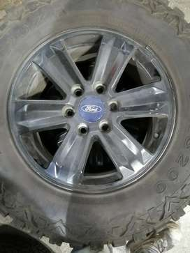 "Vendo rines 17"", originales de ford"