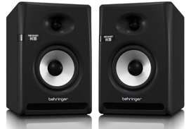 2 Monitores de estudio Behringer Activo Nekkst K5