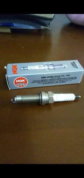 Bujía Honda Twister 250 y XRE 300 la bujía es NGK original