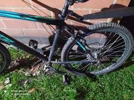 Vendo 2 bicicleta todo terreno marca GW rin 26( cambios Shimano tourney triplato pacha de 7 velocida