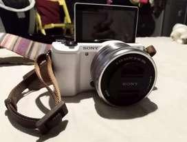 Sony Alpha A5000 + Accesorios ¡¡como Nueva!!