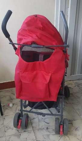 Coche paseador de bebés.