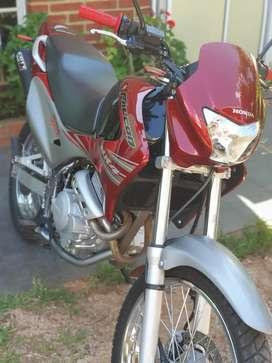 HONDA NX 400.