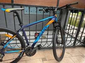 Bicicleta de marca: GIANT