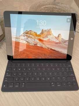 Apple ipad 8 generacion + keyboard original de apple
