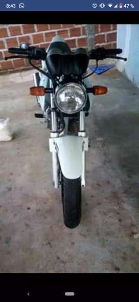Vendo Honda twister250
