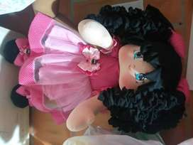 Se hacen hermosas muñecas de trapo