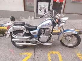 Vendo o permuto moto tipo harley
