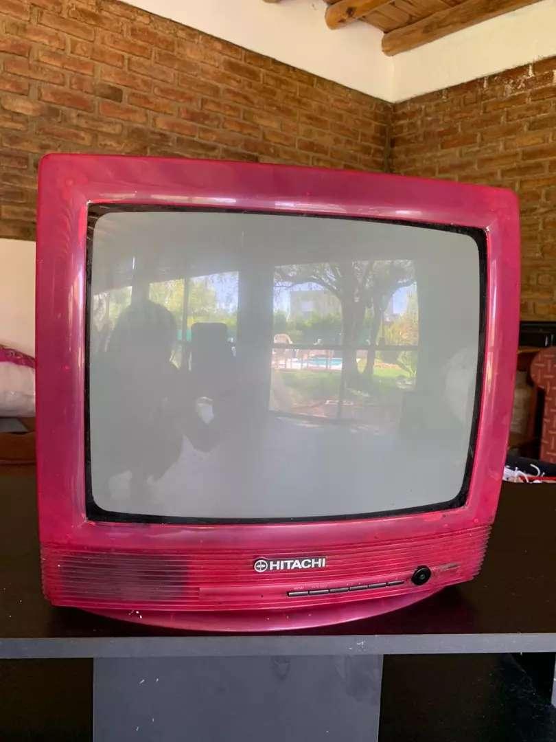 Vendo televisor marca Hitachi 0