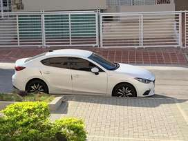 Mazda touring 2015 exelente