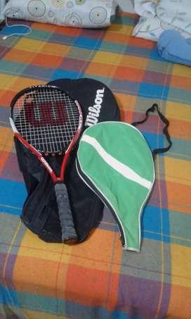 Raqueta Wilson y equipo de tenis de campo