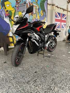 SUZUKI GIXXER 155 SF FI COMO NUEVA