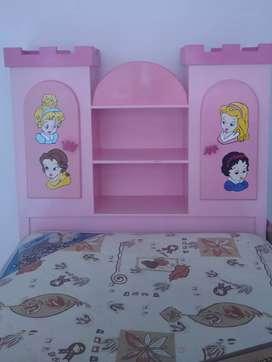 Vendo cama de princesas