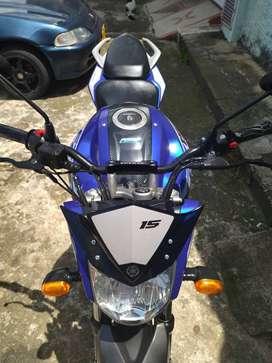 FZ 15 edición Racing ( 150)