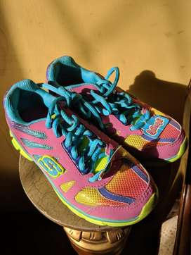 Zapatillas de niña, marca SKECHERS lightweight