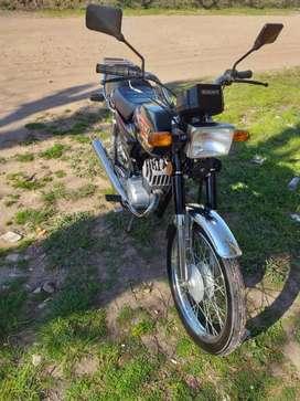 Vendo permuto Suzuki ax 100