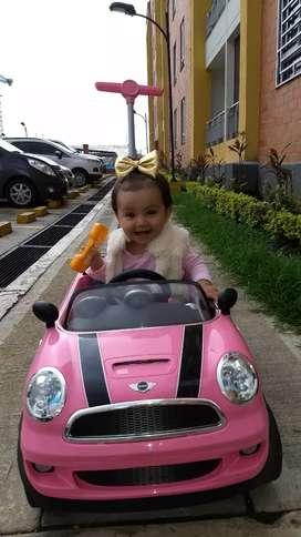 Vendo hermoso carro montable Mini Cooper