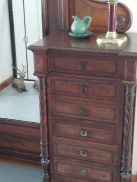 Mueble  Inglés con su espejo original