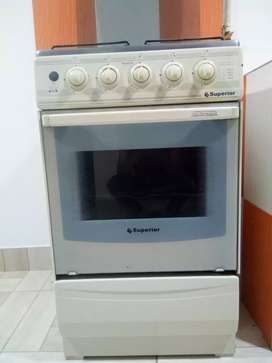 Se vende cocina de 4 estufa