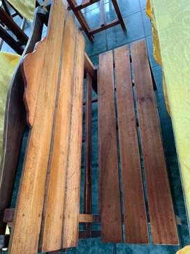 Mesas y sillas usados para restaurante