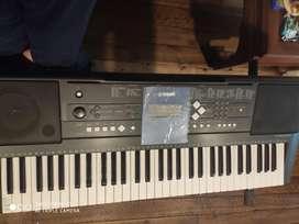 De vente piano Yamaha
