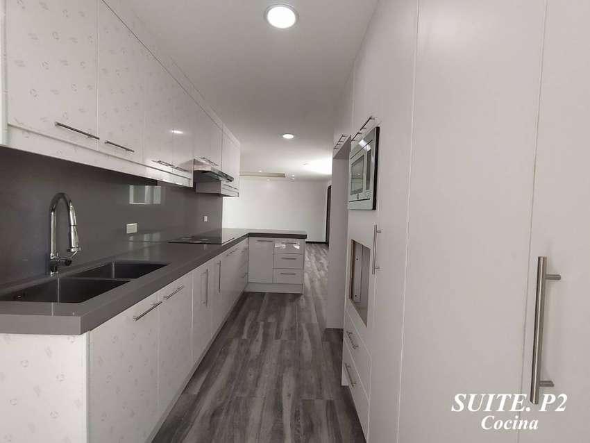 Suite en CUMBAYA La Primavera, Área total de 85m2; Área cubierta 65m2, 1 parqueadero y 1 bodega 0