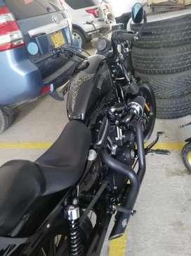 Harley davison sporter 883 Iron 2015 , 13 mil km , como nueva , lista para traspaso
