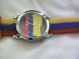 Se vende reloj nuevo de bandera colombia