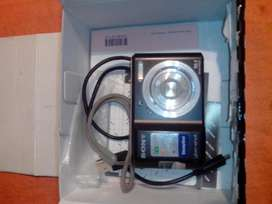 Camara de fotos Sony CyberShot DSCS2000