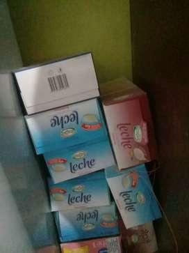 Cajas de leches manfrey