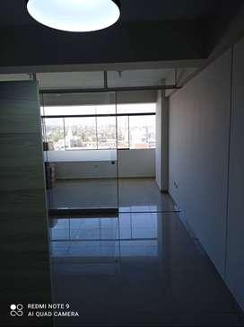 Vendo Oficina de 45m2 con baño incluido en Edificio Nasya II Arequipa