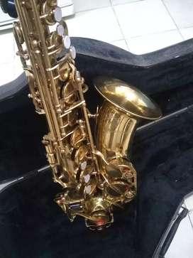 Saxofón alto lumase