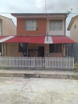 Casa 2 pisos en Condominio cerrado