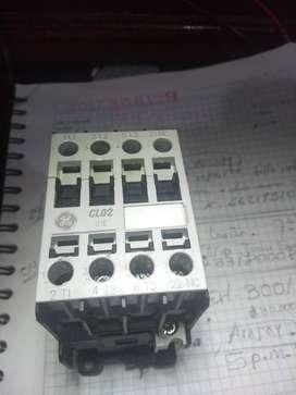 CONTACTOR 32 AMP. 110 VAC