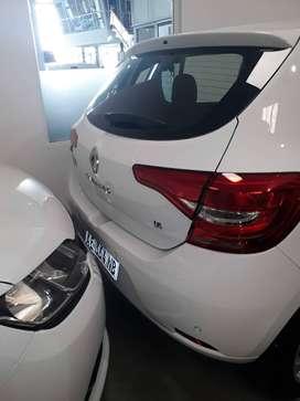 Renault sandero sen 1.6 16v Nissan
