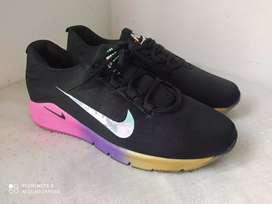 Nike Dama.