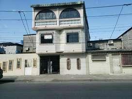 Oportunidad, Propiedad Rentera en Calle Principal en los Esteros, Sur de Guayaquil