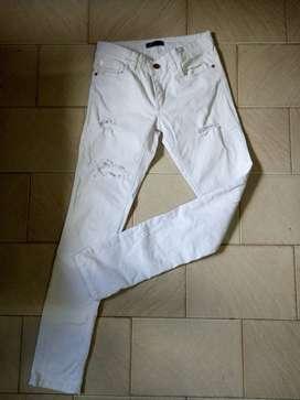 Pantalon Blanco Chupin Con Roturas Usado Talle 30