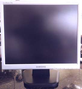 Vendo monitor Samsung SyncMaster 710N de 17 pulgadas
