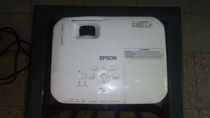 Proyector epson S11 Modelo H436A de 110 -220 voltios 0