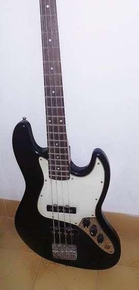 Sx jazz bass vintage + amplificador ross de 15W con cable plug y funda