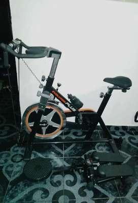 Cicla de spinning multifuncional